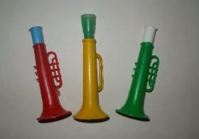 Trompetas de juguete
