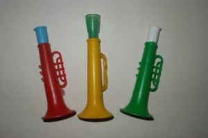 trompetas de plastico